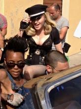 Мадонна продолжает трудиться над новым клипом (видео)